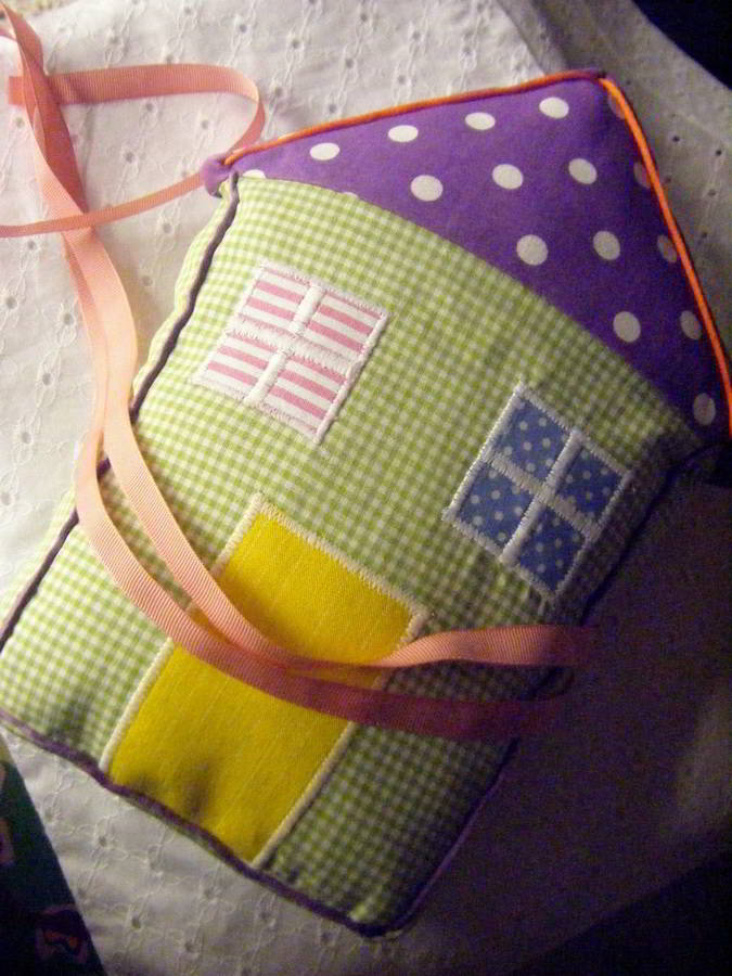 baptism_the-little-paper-house_hara-kontaxaki-07